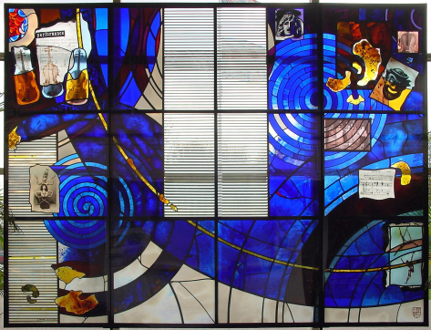 Latimer Theatre, Kettering complete design of architectural glass screen by glass artist Derek Hunt FMGP ACR